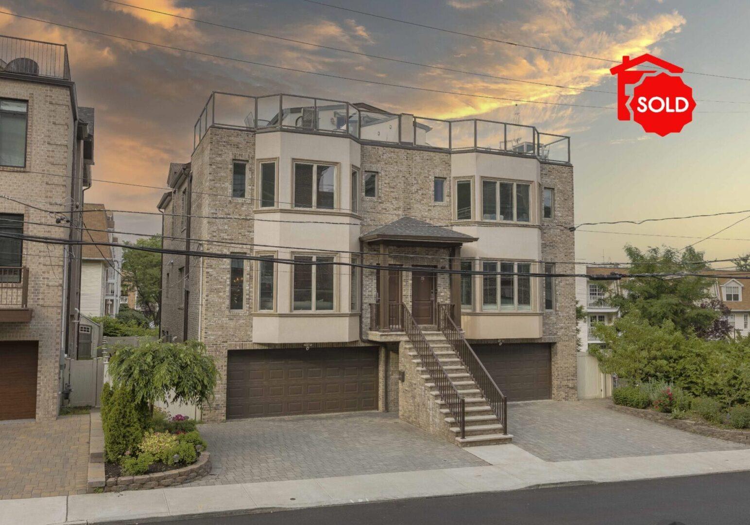 SOLD - 17 Winterburn Place Edgewater, NJ 07020 <br><br> $1,149,000  - Beds: 3 -  Baths: 3 - Half Baths: 1